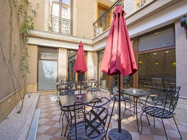 Tbilisi - Hotel KMM**** - binnenplaats