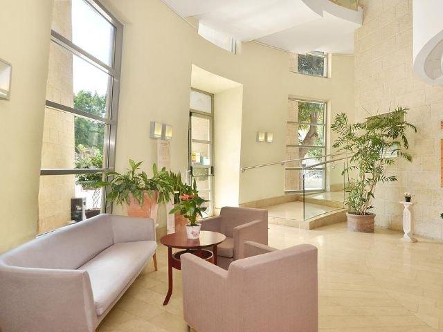 Ruth Daniel Residence Hotel - lobby