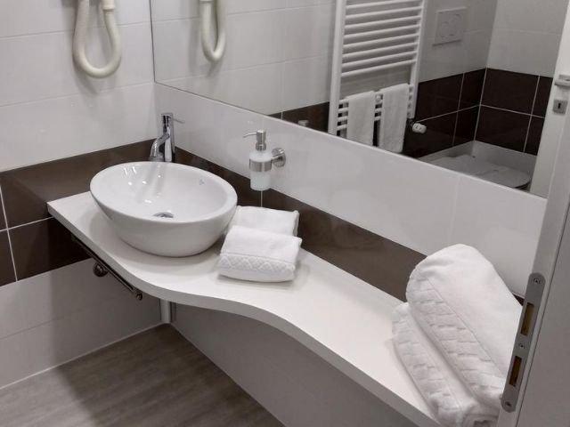 San Mauro Torinese - Hotel Glis *** - voorbeeld badkamer