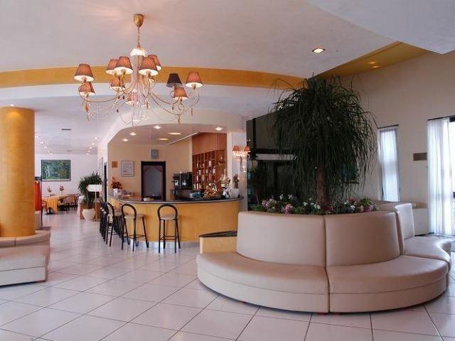 Cisternino - Hotel Lo Smeraldo **** - lounge