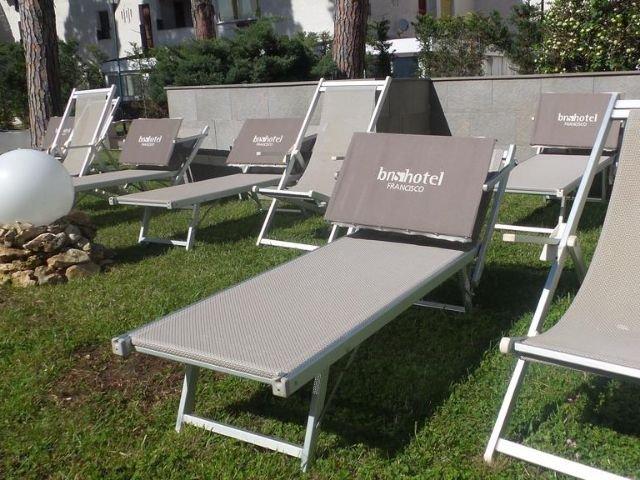 Baia Domizia - BNS Hotel Francisco **** - ligstoelen