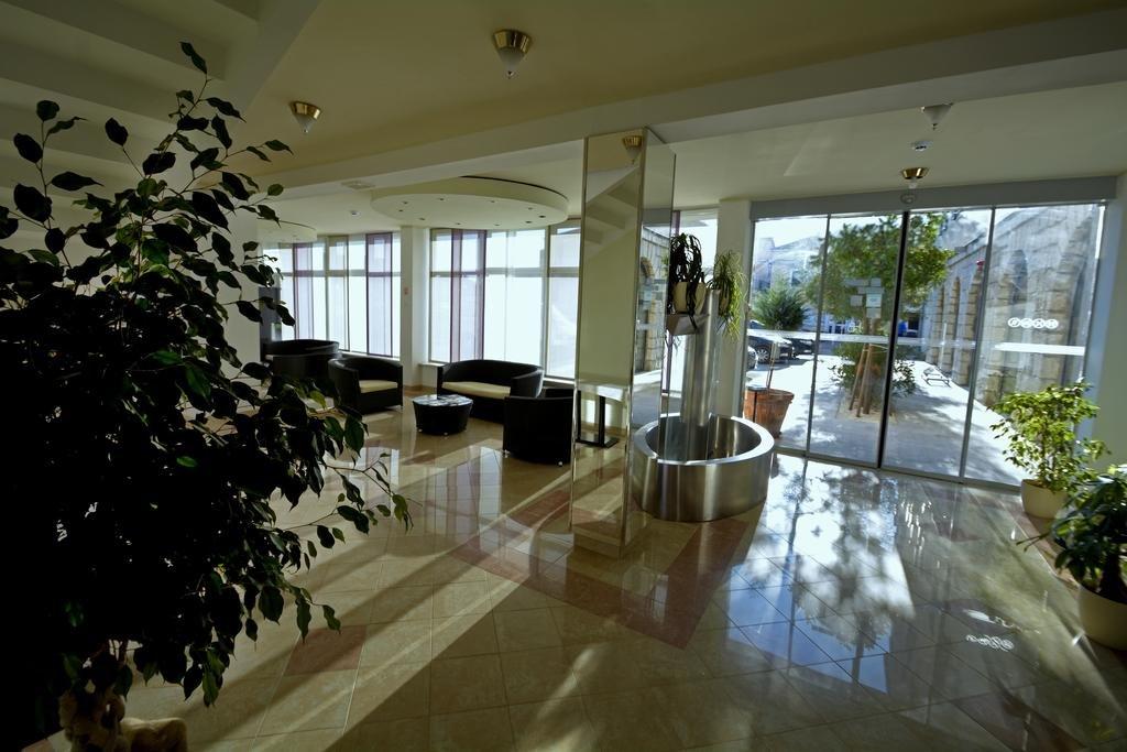 Tisno - Hotel Borovnik **** - entree