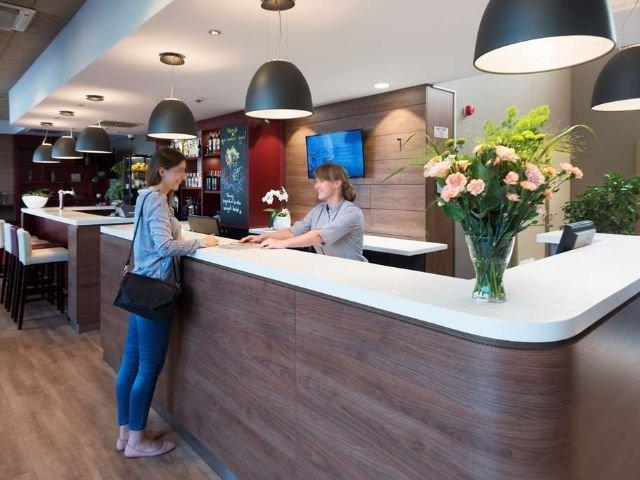 Wroclaw - Hotel Campanile Stare Miasto Wroclaw *** - receptie - bar