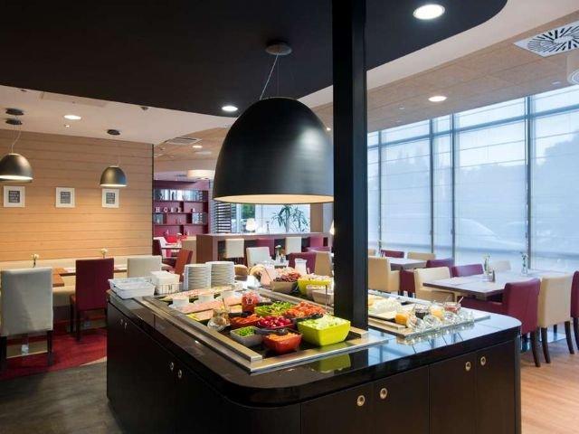 Wroclaw - Hotel Campanile Stare Miasto Wroclaw *** - buffet