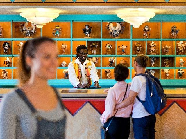 Disneyland Paris - Disney's Hotel Santa Fe - receptie