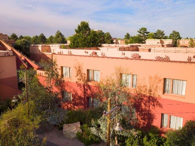 Disneyland Paris - Disney's Hotel Santa Fe - aanzicht
