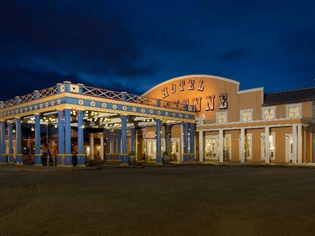 Disneyland Paris - Disney's Hotel Cheyenne - aanzicht