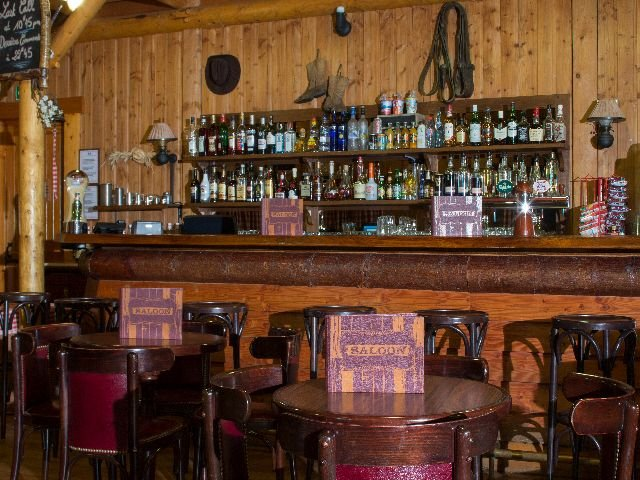 Disneyland Paris - Disney's Davy Crockett Ranch - bar