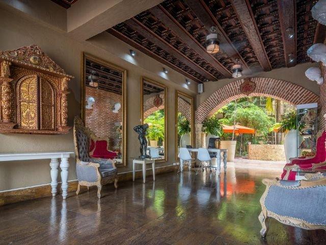 Hotel Armería Real - lobby
