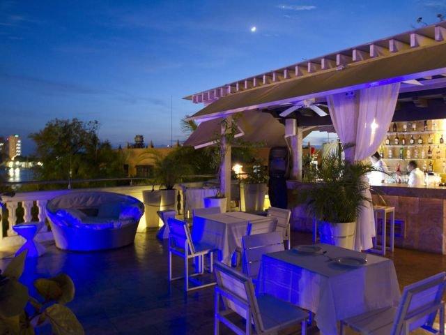 Hotel Armería Real - bar
