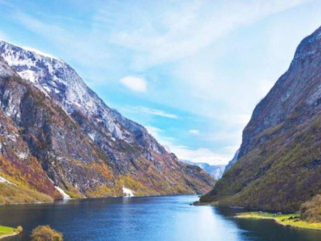 Noorwegen - Fjord in de herfst