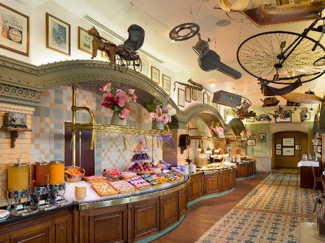 Disneyland Paris - Disneyland Hotel - restaurant