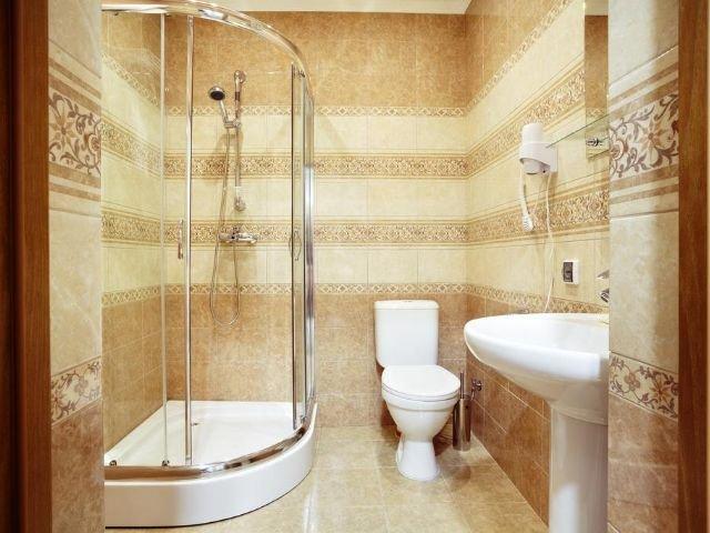 Novgorod - Hotel Volkhov **** - badkamer