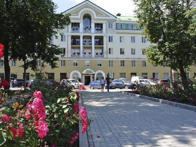 Novgorod - Hotel Volkhov **** - vooraanzicht