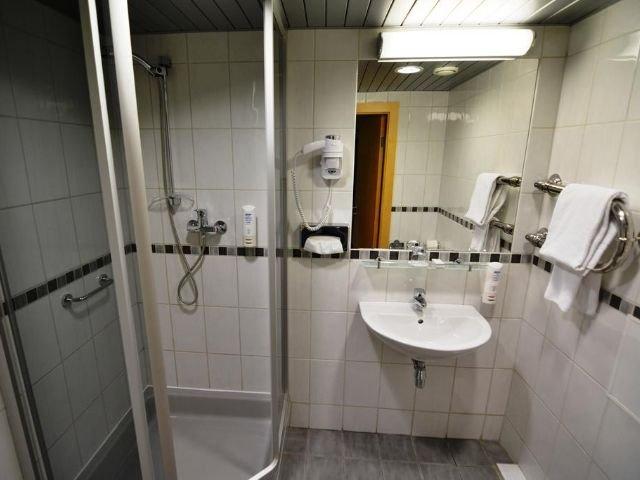 Riga - Riga Islande Hotel **** - badkamer