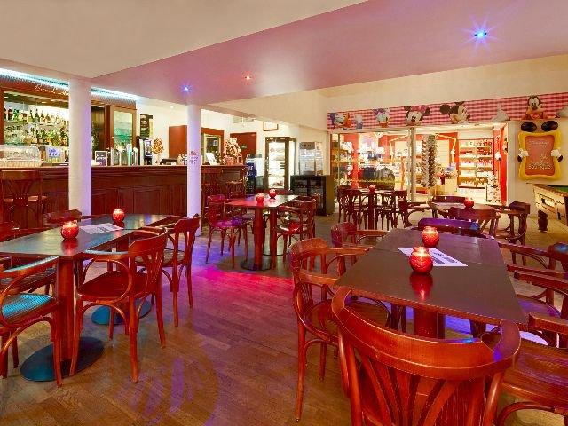 Disneyland Paris - Hotel Kyriad - bar