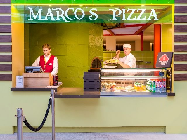 Disneyland Paris -Explorers Hotel - Marco's Pizza