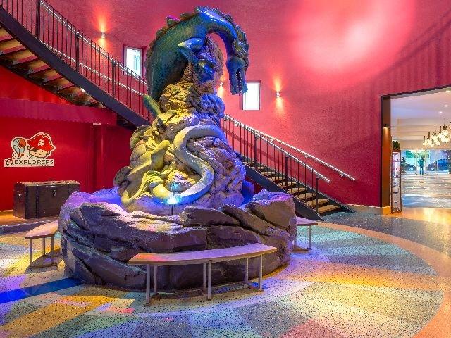 Disneyland Paris -Explorers Hotel - lobby