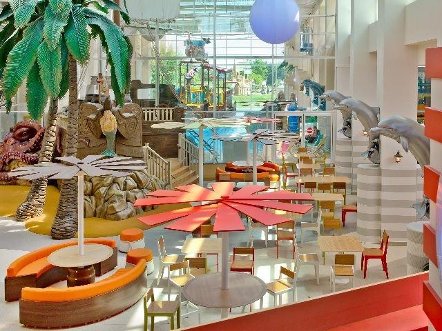 Disneyland Paris -Explorers Hotel - atrium