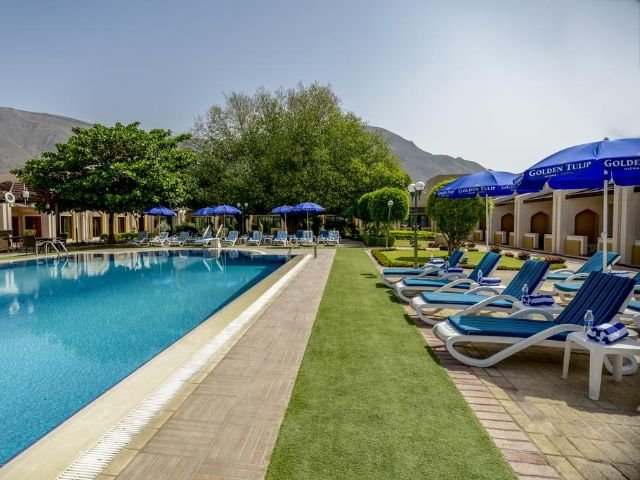 Golden Tulip Hotel - zwembad