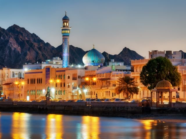 Oman - Muscat - boulevard