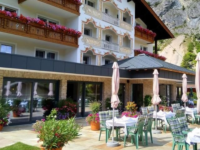 Nassereith - Hotel Seeblick *** - terras