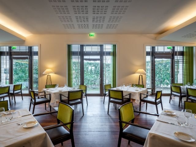 "Disneyland Paris - Radisson Blu Hotel Paris, Marne-la-Vallee - restaurant  ""Le Pamplemousse"""