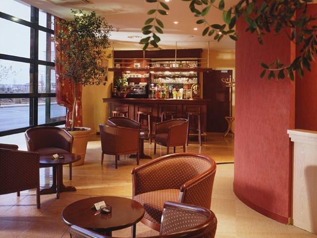 Disneyland Paris - hotel Campanile Bussy - lobby