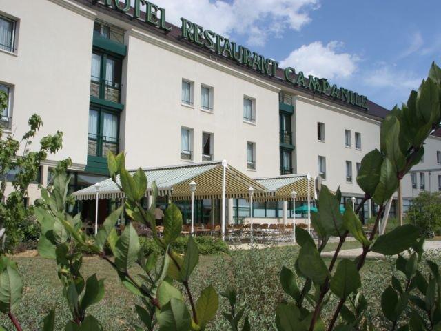 Disneyland Paris - hotel Campanile Bussy - aanzicht