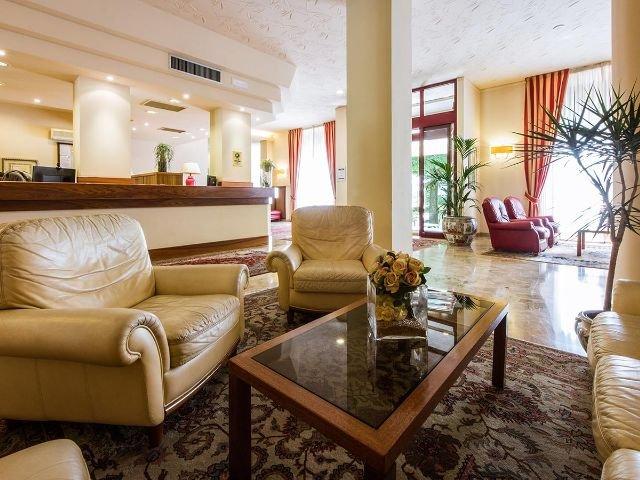 Hotel Reale lobby
