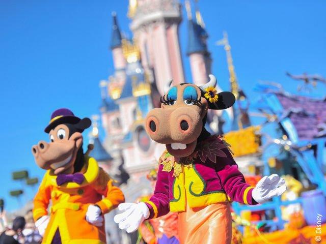 Disneyland Paris - Disneyland Park - Karel Paardepoot & Clarabella Koe