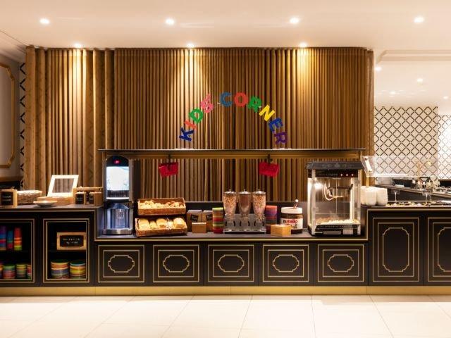 "Disneyland Paris - Hotel Dream Castle - ontbijtruimte ""the kitchen"""