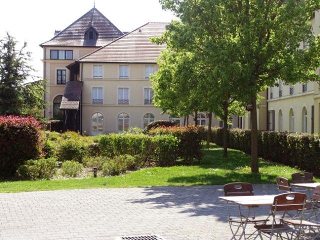 Disneyland Paris - hotel Campanile val de France - aanzicht