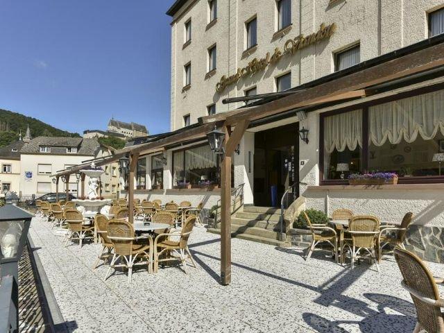 Luxemburg_Grand Hotel Vianden_terras