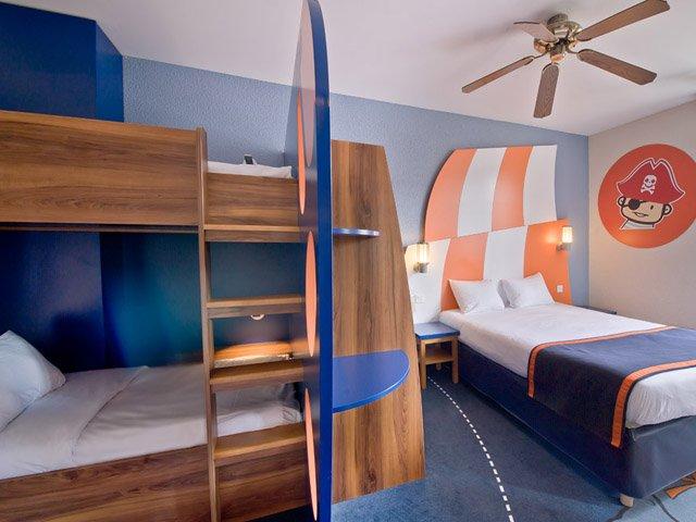 Explorers Hotel ***