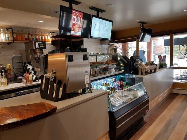 Lobstick Lodge - Crazy Elk Café