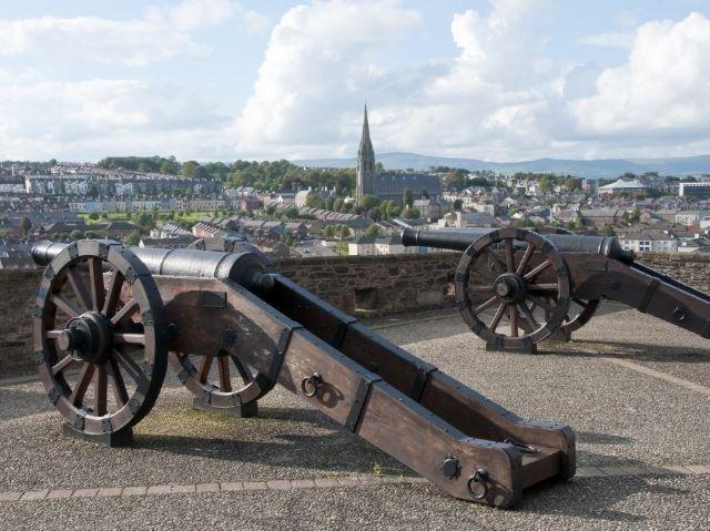 Noord-Ierland - Londonderry - stadsmuren