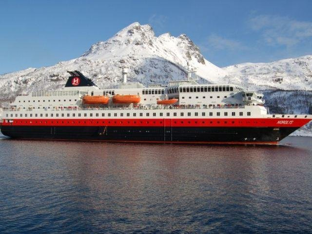 Hurtigruten MS Nordlys