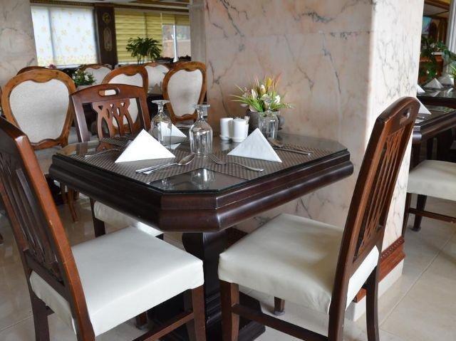 Amra Palace Hotel - Restaurant