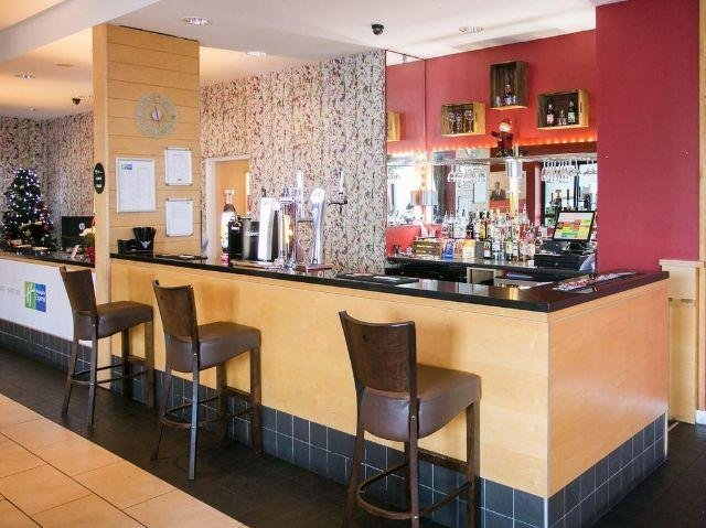 Groot-Brittannië - Antrim - Holiday Inn Express - bar