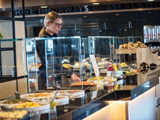 Hurtigruten MS Kong Harald restaurant