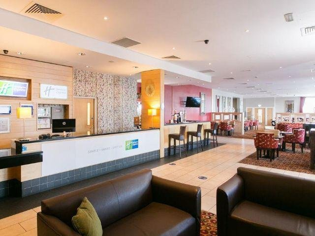 Groot-Brittannië - Antrim - Holiday Inn Express - restaurant