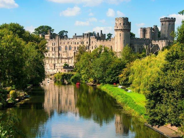 Warwick Castle Shutterstock