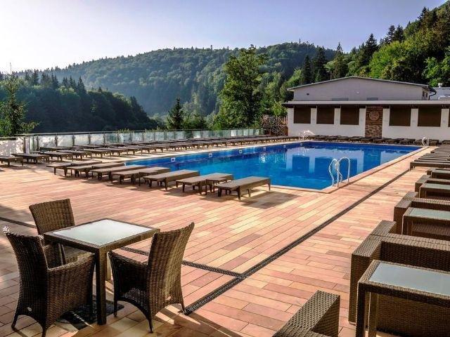 Yaremche - Hotel Stanislavskiy *** - buitenzwembad
