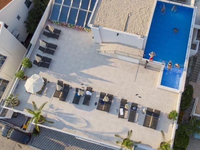 Neum - Hotel Nova **** - zwembad - terras