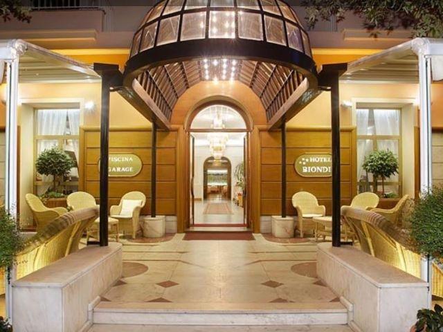 Montecatini Terme - Hotel Biondi **** - entree