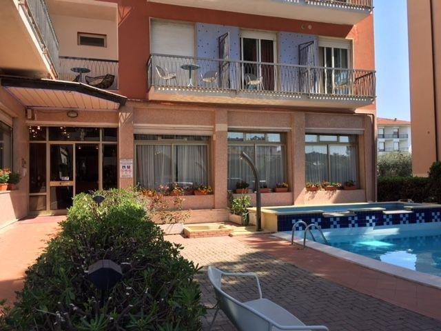Italië - Diano Marina - Hotel Kristall *** - zwembad
