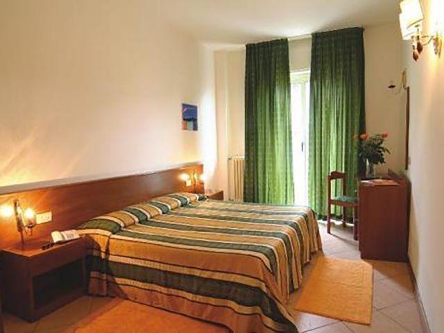 Italië - Diano Marina - Hotel Kristall *** - voorbeeldkamer