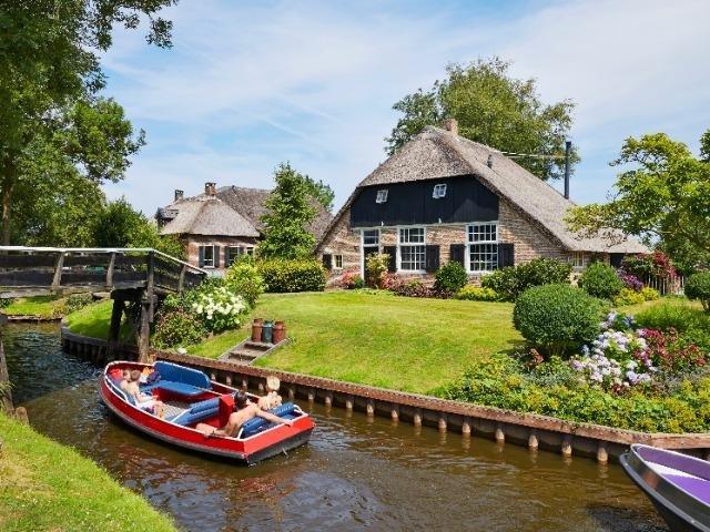 Nederland_Overijssel_Giethoorn