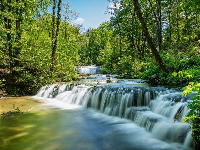 Frankrijk_Jura_Watervallen Cascades du Herisson